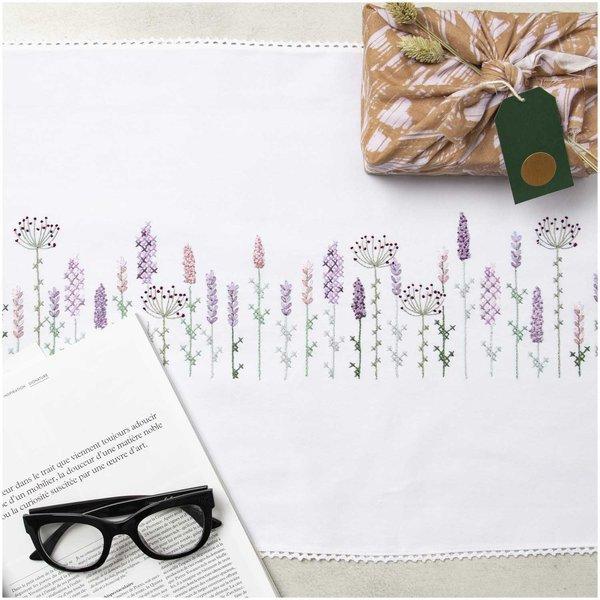 Rico Design Stickpackung Läufer Lavendelfeld 45x150cm